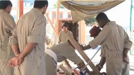 Omani Worker 3